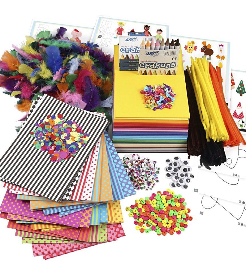 Stor förpackning med kreativt material