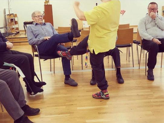 Rörelsepaketet sittande minnesrörelser Mentex Blomstervägen dagv.